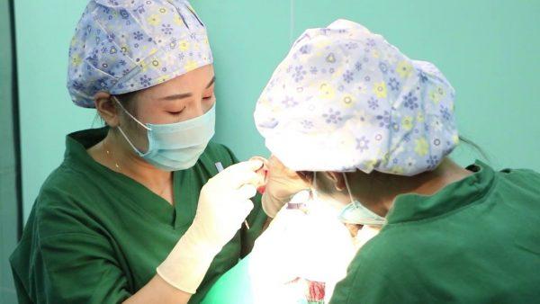 Phòng khám cấy ghép tóc y học quốc tế